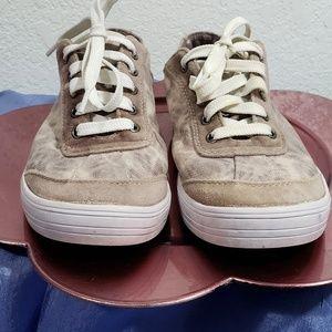 zoe zac shoes 6.5 tie dye pinks sneakers
